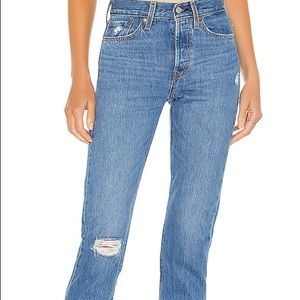 LEVIS WEDGIE STRAIGHT JEANS! Size 30